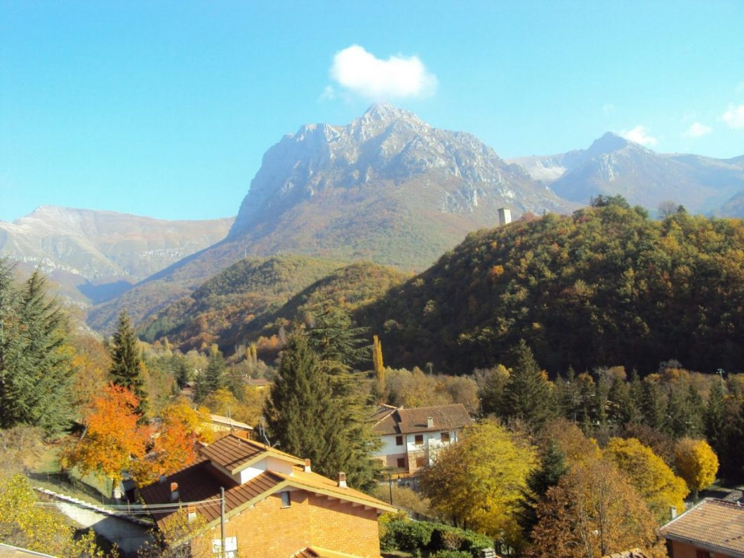 cropped-cropped-monte-bove-autunno-2.jpg